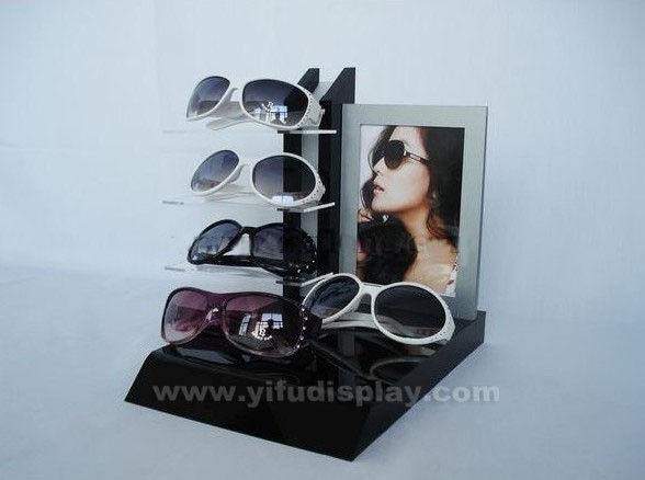 Eyewear Display GL005