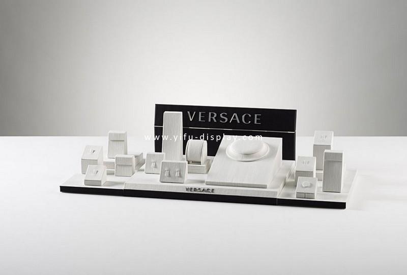 Elegant Watch Display W010